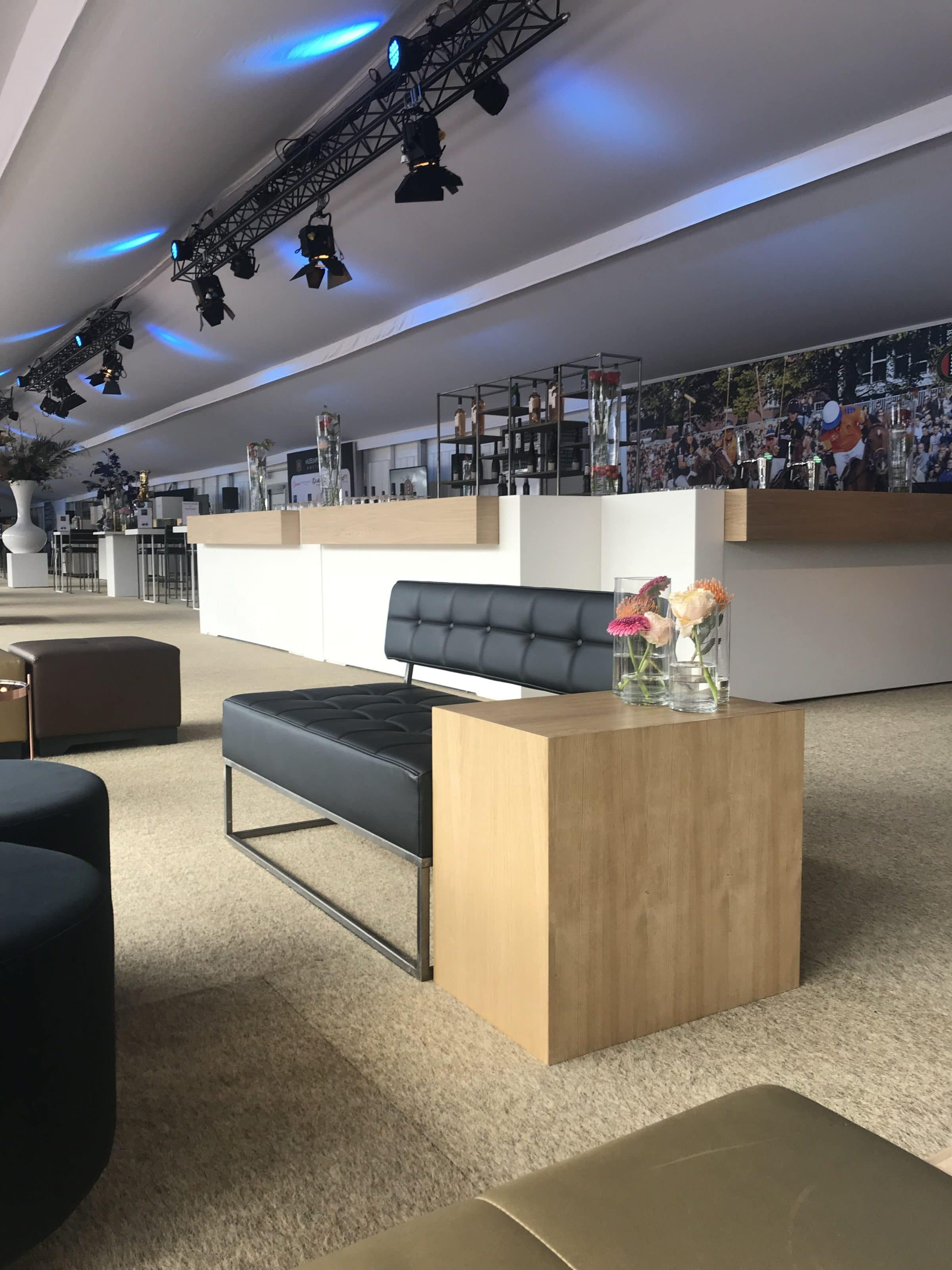 lounge-en-bar-met-eiken-top